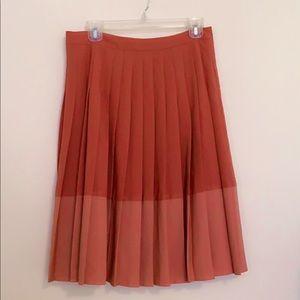 🌹 Loft ombré pleated skirt Size 10 petite 🌹